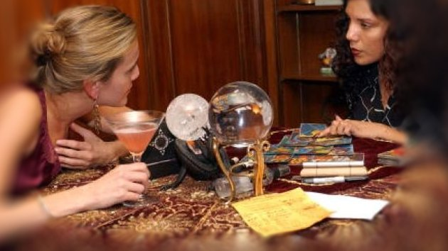8 Interesting Things You Should Know About Tarot Reading